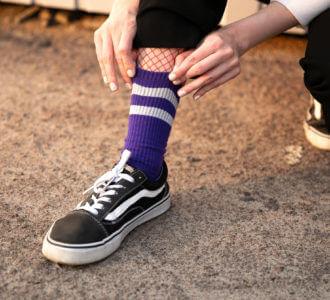 Фиолетовые с серым